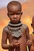 15-09-12 Ruta Okavango Namibia (736) R01 (Nikobo3) Tags: áfrica namibia kunene epupa okongwati etnias tribus color culturas folklore himbas rural travel viajes retratos portraits people gentes social nikon nikond800 nikon7020028vrii nikobo joségarcíacobo flickrtravelaward ngc natgeofacesoftheworld wonderfulworld nikonflickraward
