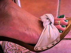 Green Long Toe Nail (Mr Captain Morgan & La Capitana.) Tags: fetish feet foot soles heels sandals platforms clogs shoes mules slides shoeplay sexy pie pies zuecos solas mulas zapatos tacones füse fussohlen schuhe toeffler töffler holzclogs klox klogs kloks zoccoli rough cracked callous piede tacchi xsuole pieds talons tamancos sandalen sandalias dipping wrinkles dirty sandali scrunch scrunching toes highheels high wedge wedgies ankle chunky worn piedi wooden pedicure red shoeplaying milf cork smelly pantoletten calzado macrofotografía