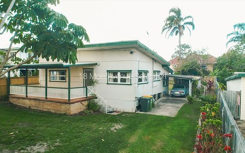 18 Mole Av, Southport QLD 4215