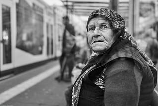Mannheim Street Frau 118 b&w