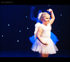 EXPLORED: Angel (SGarriott) Tags: ksgarriott scottgarriott olympus omd em5ii 40150mmf28 girl child young kid jente barn angel engel costume dress angelic cute concert musical role drama christmas stars balet kristiansand jul konsert kilden pike
