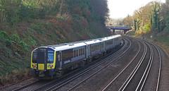 RD16221.  444 040 at Farnborough. (Ron Fisher) Tags: swr southwesternrailway southernrailway londonsouthwesternrailway lswr emu electricmultipleunit train transport publictransport farnborough hampshire rail railway railroad eisenbahn chemindefer