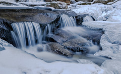 Snyder Brook, New Hampshire (jtr27) Tags: dscf4167xle jtr27 fuji fujifilm fujinon xt20 xtrans xf 1855mm f284 lm ois xf1855mmf284rlmois kitlens kitzoom ice snyderbrook brook creek newhampshire nh newengland landscape whitemountains