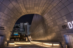 dongdaemun design plaza 2 (21mapple) Tags: dongdaemun design plaza ddp seoul korea asia building space light architecture waves curves
