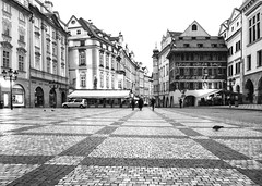 Old Town Square, Prague (YG Low) Tags: fujifilm x30 travel prague europe bw monichrome cities