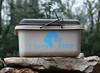 Boîte de pansage personnalisée (Sellerie CPNB Personnalisation) Tags: boîte coffre pansage matériel cheval poney personnalisé adhésif texte slogan motif