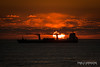 Last moments of sunset (Pablo Arrigoni) Tags: barco ship boat sea mar chile viñadelmar southamerica americadelsur sky cielo cloud nube sunset sun atardecer water agua outside outdoor canon eos eos70d 70300 winter invierno trip viaje colores colors shadows sombras