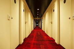 Into the clutches of Shining … (Le.Patou) Tags: graphic line hotel corridor scary shining devil perspective story histoire