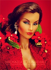 Evelyn (Michaela Unbehau Photography) Tags: integrity toys glittering gala evelyn weaverton east 59th collection outfit vjhon fashion royalty fr fr2 red winter christmas season advent michaela unbehau fashiondoll doll dolls toy photography mannequin model mode puppe fotografie