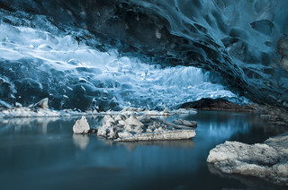 Ice caves at Jökulsárlón