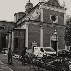 #BIKE2CHIESA #Ferrara DSCF3631 quad bike2 bn_resizeA (Viabici(c) di StefanoM) Tags: viabici bike2 bicicletta bici bike bicycle cykel fahrrad street city mono bw streetphotography chiaroscuro blackandwhite italia ferrara