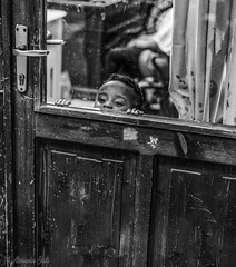 curious baby (alessandrochiolo) Tags: blackandwhite biancoenero bw bn street streetphoto streetphotografy strada streetphotography nikon nikond610 nikkor sguardi