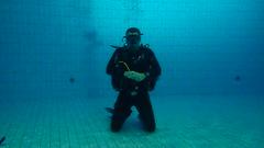 PB246695 (Scubaland Búváriskola) Tags: scubalandbuvarsuli scubaland padi owd skills practice divingisfun