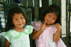 pretty twins (the foreign photographer - ฝรั่งถ่) Tags: pretty twin girls green pink dresses khlong thanon portraits bangkhen bangkok thailand canon