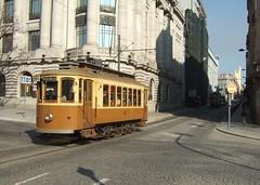 Trams de Porto (Portugal) (Trams aux fils (Alain GAVILLET)) Tags: portotram213 tramsdeporto tramsportugais stcp tramsvoiesnormales