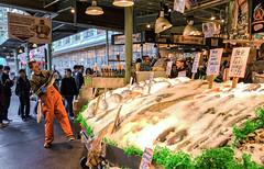 PIKE FISH MARKET (PHOTOGRAPHY|bydamanti) Tags: seattle washington unitedstates us pikeplacemarket fishmarket people