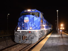 Lighting up the torch (Robby Gragg) Tags: up olympic sd70m 2001 la fox