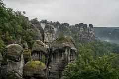 Tiefhängende Wolken (krieger_horst) Tags: elbsandsteingebirge sachsen wolken bastei