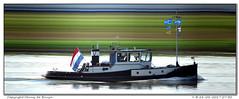 V (Morthole) Tags: slitscan ship boat schip boot barge binnenvaart schiff rheinschiff v sleepboot tugboat tug schlepper remorqueur