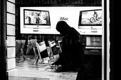 Face-time (Chris Hamilton Photography) Tags: monochrome urban street silhouette flickr tech imac people computer london mono
