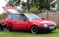 G87 WMC (Nivek.Old.Gold) Tags: 1989 ford escort 18d gl 5door laidlaw brentwood