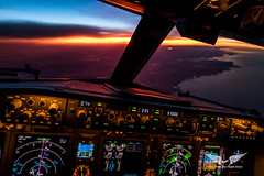 Chasing the sun over the Basque Country, en route to Portugal (gc232) Tags: boeing cockpit 737 b737 737ng 737700 737800 737900 b737ng b737800 b737700 b737900 aviation aviator pilot pilotlife pilotsview pilote fly travel canon g7x golfcharlie232 livefromtheflightdeck live from flight deck aviationphotography sunset basque country altitude