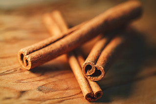 Cinnamon Stick, HMM
