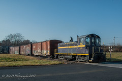ESPN NW2 #81 @ Bristol, PA (Darryl Rule's Photography) Tags: 2017 bergeyrd bethlehembranch c398 centralave conrail crossing diesel diesels etownshiprd fall freight freightcar freighttrain freighttrains ge gradecrossing hatfield l160 local mainst mixedfreight montgomerycounty november orvillard pa pn pnrr pennsylvania pennsylvanianortheastern railroad railroads readinglines readingrailroad relianceave repaint shifting shortline signal signals souderton southbound sun sunny telford tiger townshiprd train trains vinest
