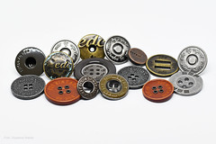 Knöpfe - ButtonsandBows - Macro Mondays (Susanne Weber) Tags: buttonsandbows macromondays makro macro knöpfe buttons bows esprit edc esp