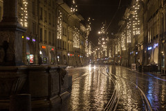 Bern by night (o_schopfer) Tags: noël bokeh météo nightshot nuit photodenuit pluie rain route street