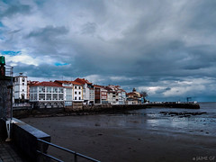 Noviembre (Jaime GF) Tags: luanco principadodeasturias españa es gozón clouds nubes storm tormenta costa coast beach playa