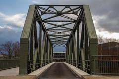 Brandenburger Brücke (Elbmaedchen) Tags: steinwerder brandenburgerbrücke stahlbrücke brücke bridge hamburgerhafen harbour ästhetik hafenbahn nieten hpa