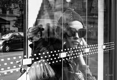 duo (Jack_from_Paris) Tags: l2011244bw leica m type 240 10770 leicasummicronm35mmf2asph 11879 dng mode lightroom capture nx2 rangefinder télémétrique bw noiretblanc monochrom wide angle paris 75013 portrait rue street bus station porter lunettes affiche candid etam burberry publicité city