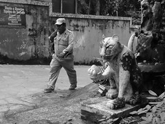 Palenque No.2 OP 77 (Isaac Palacio) Tags: blackandwhite street maya photography today latinamerica people chiapas flickr mexico en blanco y negro noiretblanc pretoebranco zwart wit biancoenero bnw palenque