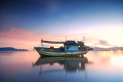 fishing boat (pattana92392) Tags: fineart photography thailand boat cloud fisherman fishing landscape ocean sea sky transport transportation vacation water longexposure sunset