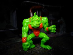 Gizzard The Lizard (ridureyu1) Tags: gizzardthelizard mimpwrestlers monsterinmypocket mimp mythology toy toys actionfigure toyphotography sonycybershotsonycybershotdscw690