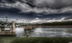Tolosa  - Vacanze 2017 (auredeso) Tags: tolosa toulose francia france fiume river ponte bridge garonne nikon tokina tokina1116 nikond7100 nik collectio hdr vacanze 2017 nuvole nimbus