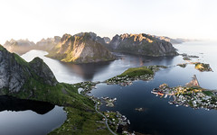 Lofoten's Heaven (Fabian Fortmann) Tags: reine hamnøy landscape overview view norway norwegen lofoten island sea water mountains sunset sunrise