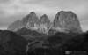 Sassolungo (bn) (AvventureInSella) Tags: montagna sassolungo dolomiti bn blackwhite tourdelledolomiti