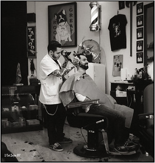 The barber of Porto_Rolleiflex 3.5B