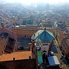 Cremona, Italia (pom'.) Tags: panasonicdmctz30 november 2017 cremona lombardia italia italy europeanunion torrazzo battistero 100 200 300 400 500 5000 10000