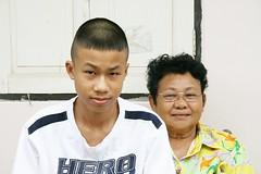 grandma's hero (the foreign photographer - ฝรั่งถ่) Tags: grandma good boy hero khlong thanon portraits bangkhen bangkok thailand canon