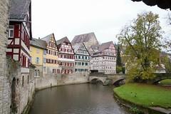 Das Ufer der Kocher in Schwäbisch Hall (reipa59) Tags: brücke cityscape stadt flus kocher hall schwäbisch badenwürttemberg