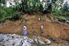 India - Kerala - Munnar - Tea Plantagen - Road Construction - 227 (asienman) Tags: india kerala munnar roadconstruction asienmanphotography