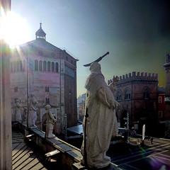 Cremona, Italia (pom.angers) Tags: panasonicdmctz30 november 2017 cattedraledisantamariaassunta duomo statue sculpture saint religion church cremona italia italy lombardia europeanunion 100 200 300 5000