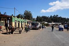 street life in Ethiopia (simon-r-) Tags: ethiopia éthiopie äthiopien amhara amhararegion debark northern 2017 africa afrique afrika ostafrika eastafrica afriquedelest street life rue people photography travel voyage world worldwide إثيوبيا أفريقيا sony alpha ilce 5000