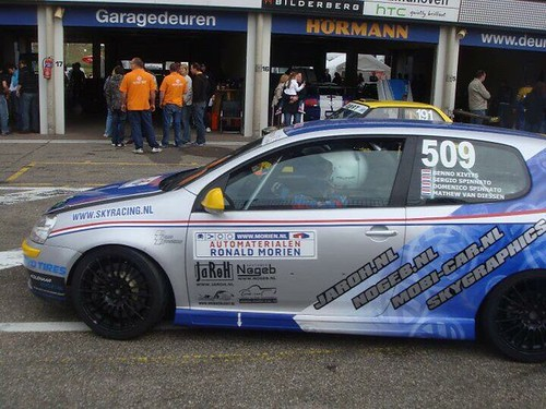 Carwrap sky racing