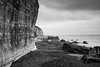 falaise (rascal76160) Tags: mer falaise roche caillou noiretblanc blackandwhite sombre