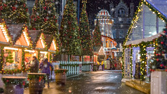 Aberdeen Christmas Village 2017-3.jpg (___INFINITY___) Tags: 2017 6d aberdeen marischalcollege marischalsquare building canon christmas christmasvillage darrenwright dazza1040 eos infinity night scotland xmas