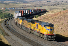 Climbing to Hermosa (Moffat Road) Tags: unionpacific up stack stacktrain doublestack intermodal emd sd70m 4742 shermanhill hermosa milepost550 wyoming wy
